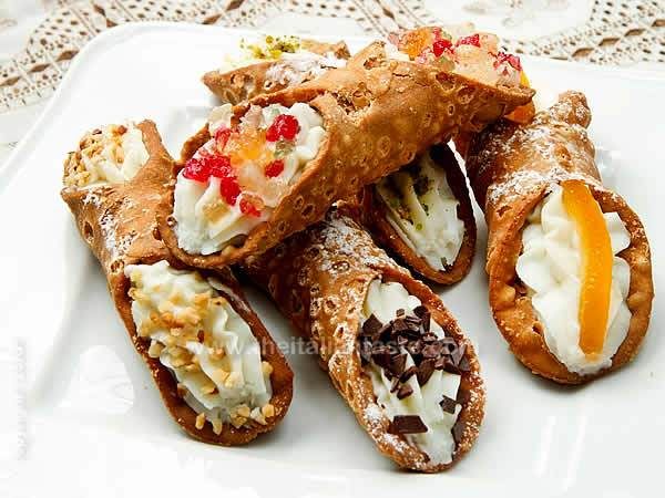 ... cream cannoli stuffed french toast ricotta filled chocolate cannoli